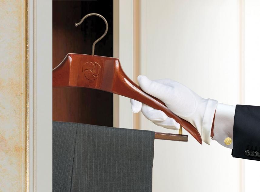 Luxury-Laundry-Appendi-Abito